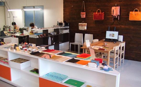 Atelier nuu parcel shop内 YURI CO.,LTD.