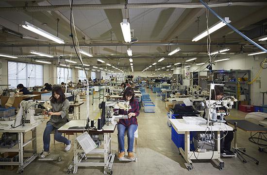 工場鞄縫製作業 YURI CO.,LTD.