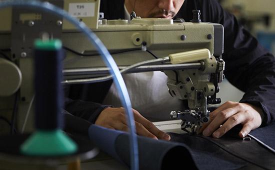 鞄の縫製ミシン
