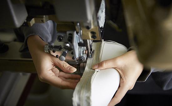 YURI 鞄の縫製